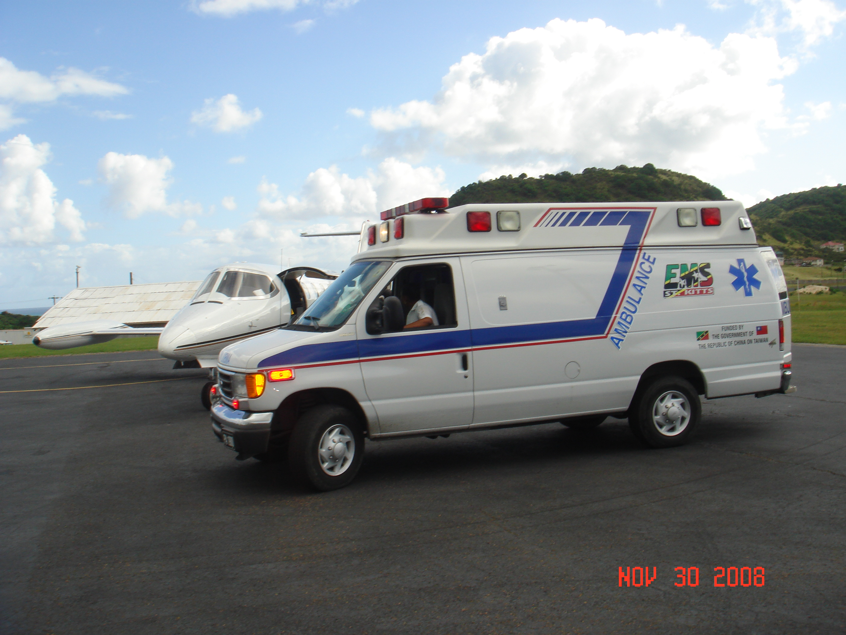 Trinity Medical Crew Receives Patient from Ground Ambulance