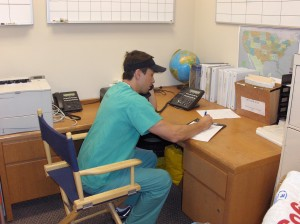 Taking a medical report for an acute air ambulance transport
